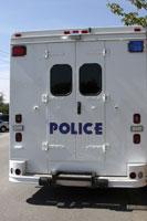 Police et médicaments vendus illégalement sur Internet